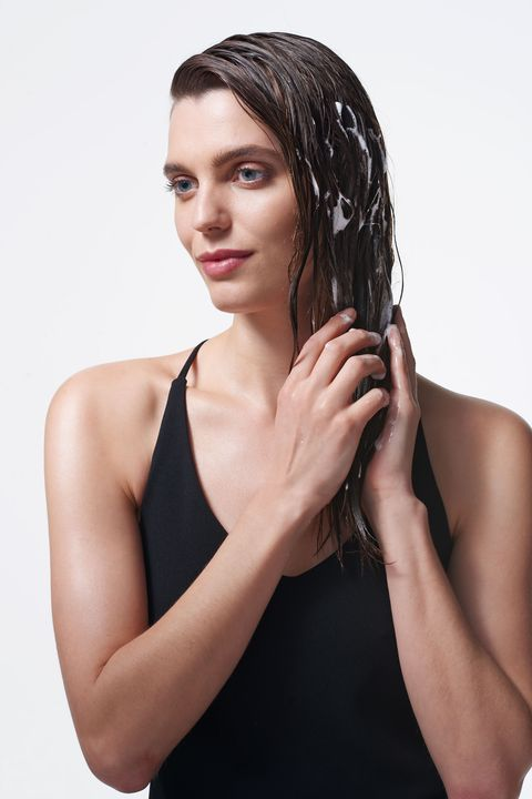 """<p>For fullness, apply a volumizing mousse like <a href=""""http://bit.ly/1T78BM6"""" target=""""_blank"""">Nexxus New York Salon Care Mousse Plus</a> to damp hair, and then layer a bit of light-to medium-hold gel on top. """"The mousse gives body at the root and the gel is for hold,"""" says Michael Silva, who created the looks here.</p>"""