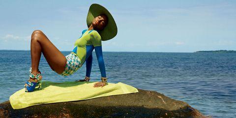 Hat, Human leg, People in nature, Summer, Elbow, Knee, Ocean, Sun hat, Sea, Thigh,