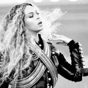 Hairstyle, Style, Long hair, Monochrome, Fashion model, Costume, Model, Guitarist, Plucked string instruments, Photo shoot,