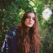 Lip, Hairstyle, People in nature, Sunlight, Beauty, Long hair, Brown hair, Flash photography, Model, Street fashion,
