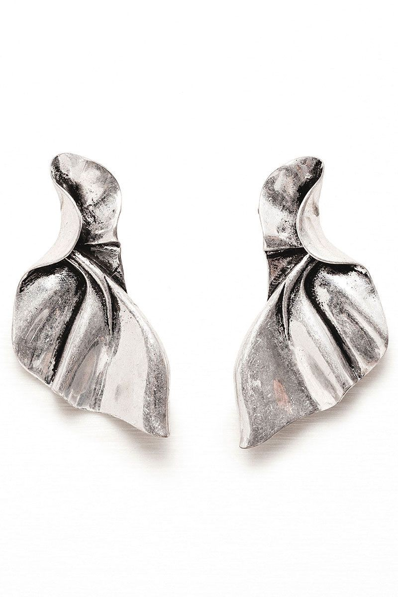"<p>Zara Twisted-Effect Earrings, $20&#x3B; <a href=""http://www.zara.com/us/en/woman/accessories/jewellery/twisted-effect-earrings-c589501p3233102.html"" target=""_blank"">zara.com</a></p>"