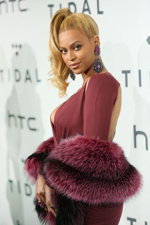 Hairstyle, Textile, Eyelash, Style, Fashion model, Fashion, Earrings, Model, Blond, Fur,