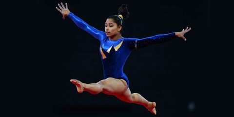 Performing arts, Entertainment, Hand, Human leg, Joint, Artist, Dancer, Performance, Elbow, Wrist,
