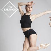 Arm, Finger, Performing arts, Human leg, Elbow, Hand, Wrist, Entertainment, Joint, Sportswear,