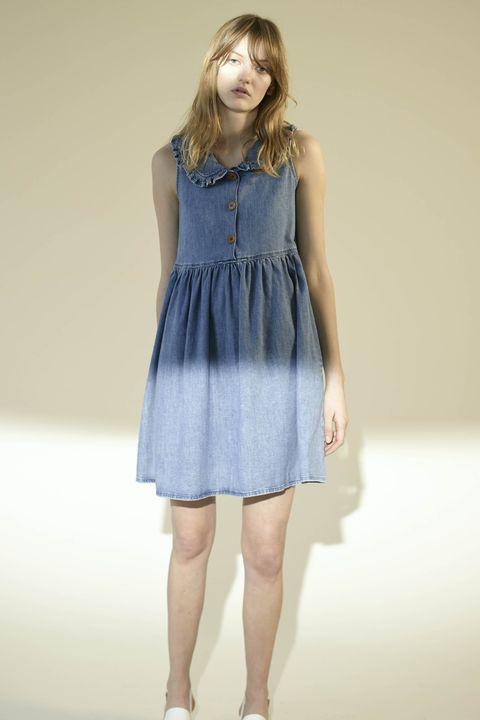 Sleeve, Dress, Shoulder, Human leg, Joint, Standing, One-piece garment, Waist, Style, Day dress,