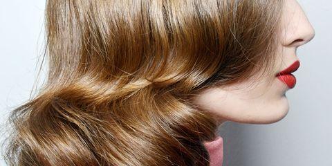Lip, Brown, Hairstyle, Style, Earrings, Beauty, Brown hair, Blond, Eyelash, Liver,