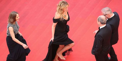 Julia Roberts Sinks Her Toes Into the Plush Red Carpet at Cannes