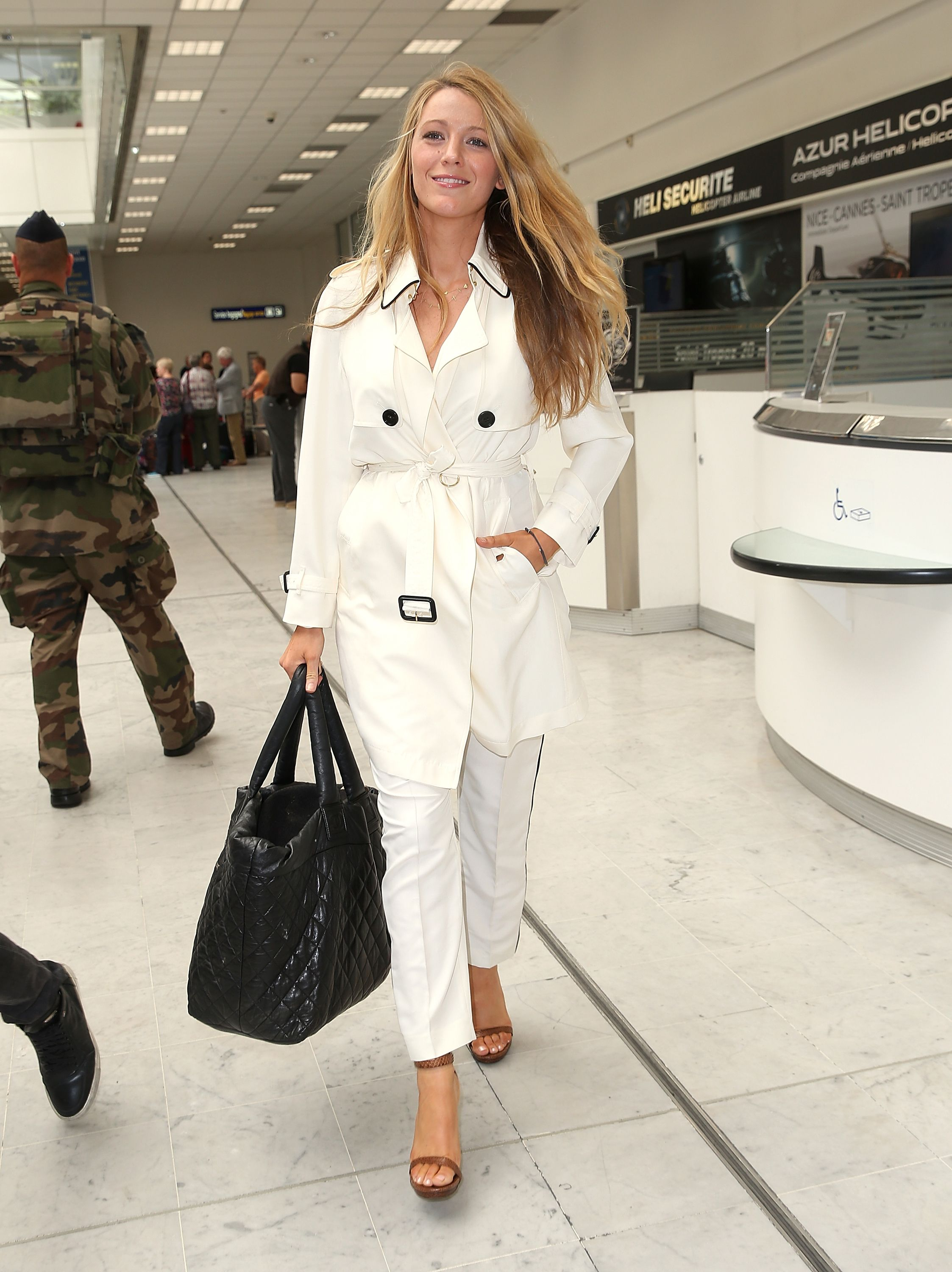5f5d4f51052d Celebrities Airport Style - Celebs Airport Fashion Photos