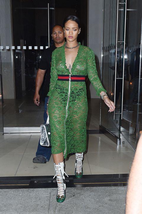 Rihanna, Julia Roberts, And Salma Hayek Wore The Same -5909