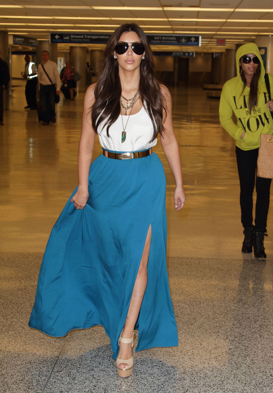 Weird Celebrity Airport Outfits - Celebs Travel Style 0301e28e61c5f