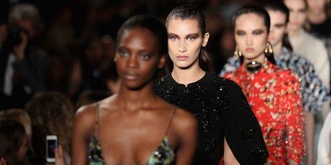 Head, Lip, People, Eye, Shoulder, Style, Jewellery, Strapless dress, Fashion, Dress,