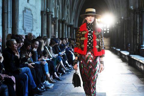 Hat, Style, Street fashion, Headgear, Fashion, Sun hat, Fedora, Fashion model, Fashion design, Vintage clothing,