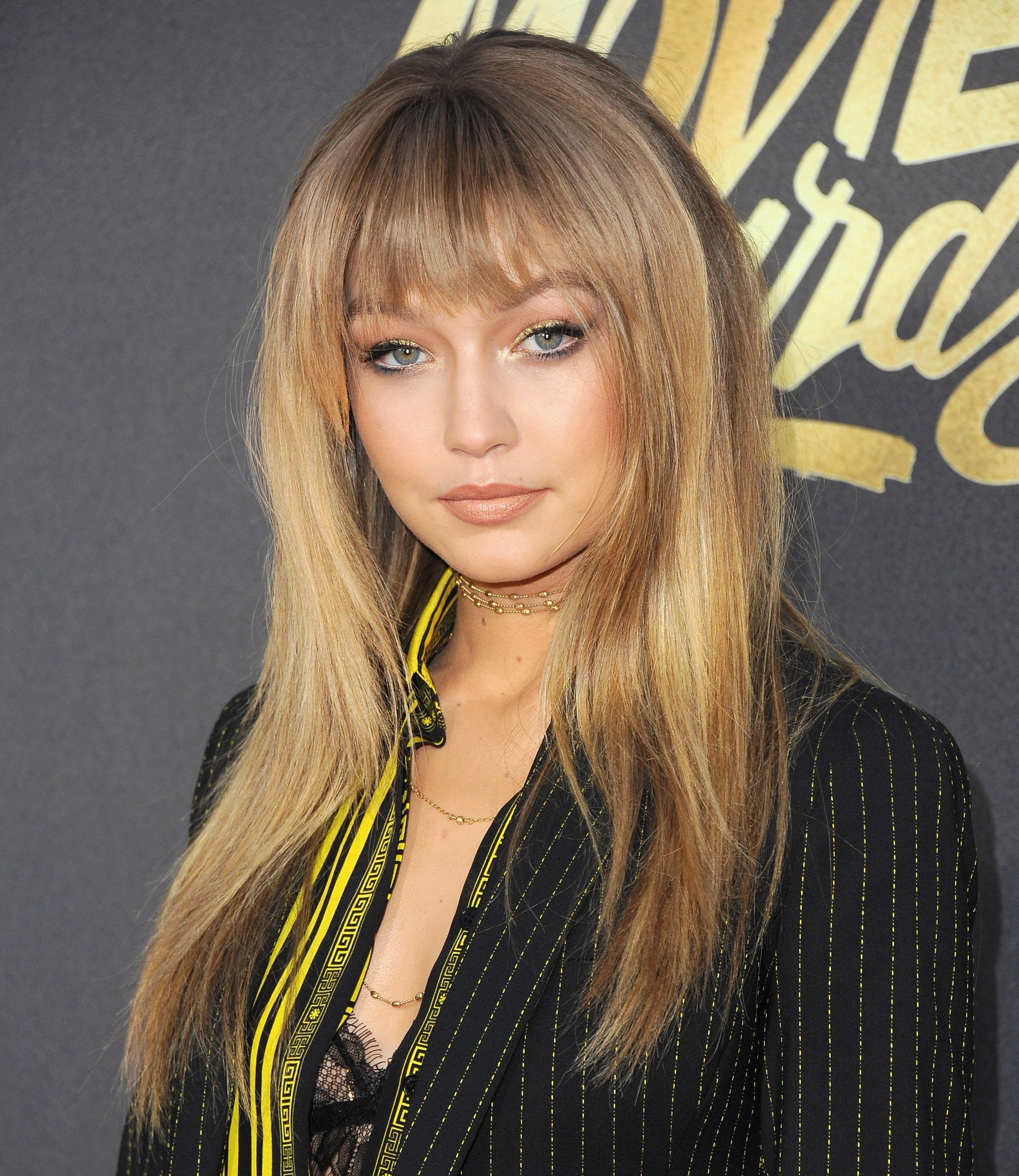 112 Hairstyles With Bangs Youu0027ll Want To Copy   Celebrity Haircuts With  Bangs