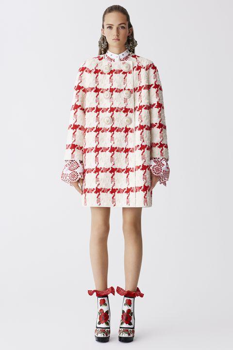 Clothing, Leg, Sleeve, Human leg, Shoulder, Textile, Red, Dress, Joint, Pattern,
