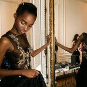 Hairstyle, Style, Fashion accessory, Dress, Jewellery, Black hair, Beauty, Fashion, Trunk, Waist,