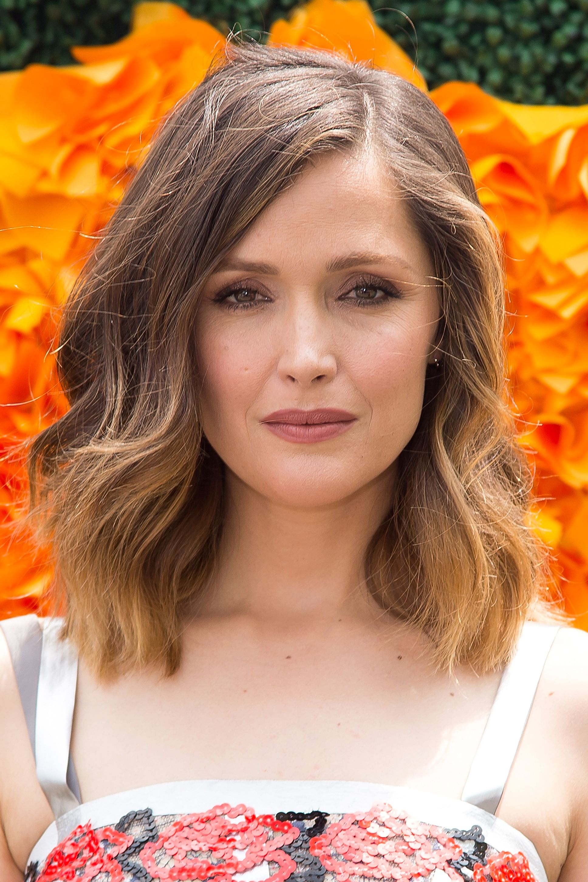 32 best long bob hairstyles our favorite celebrity lob haircuts urmus Image collections