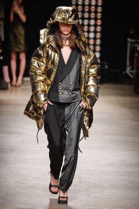 Outerwear, Fashion show, Style, Jacket, Fashion accessory, Fashion model, Runway, Fashion, Sandal, Bag,