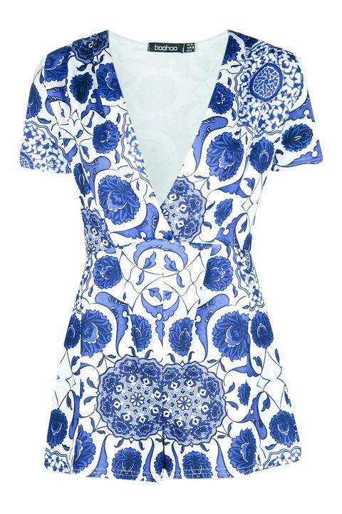 Blue, Sleeve, Pattern, Neck, Art, Cobalt blue, Electric blue, One-piece garment, Aqua, Visual arts,