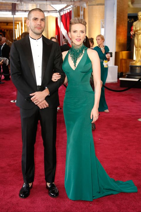 Red carpet, Carpet, Flooring, Dress, Formal wear, Suit, Event, Fashion, Gown, Premiere,