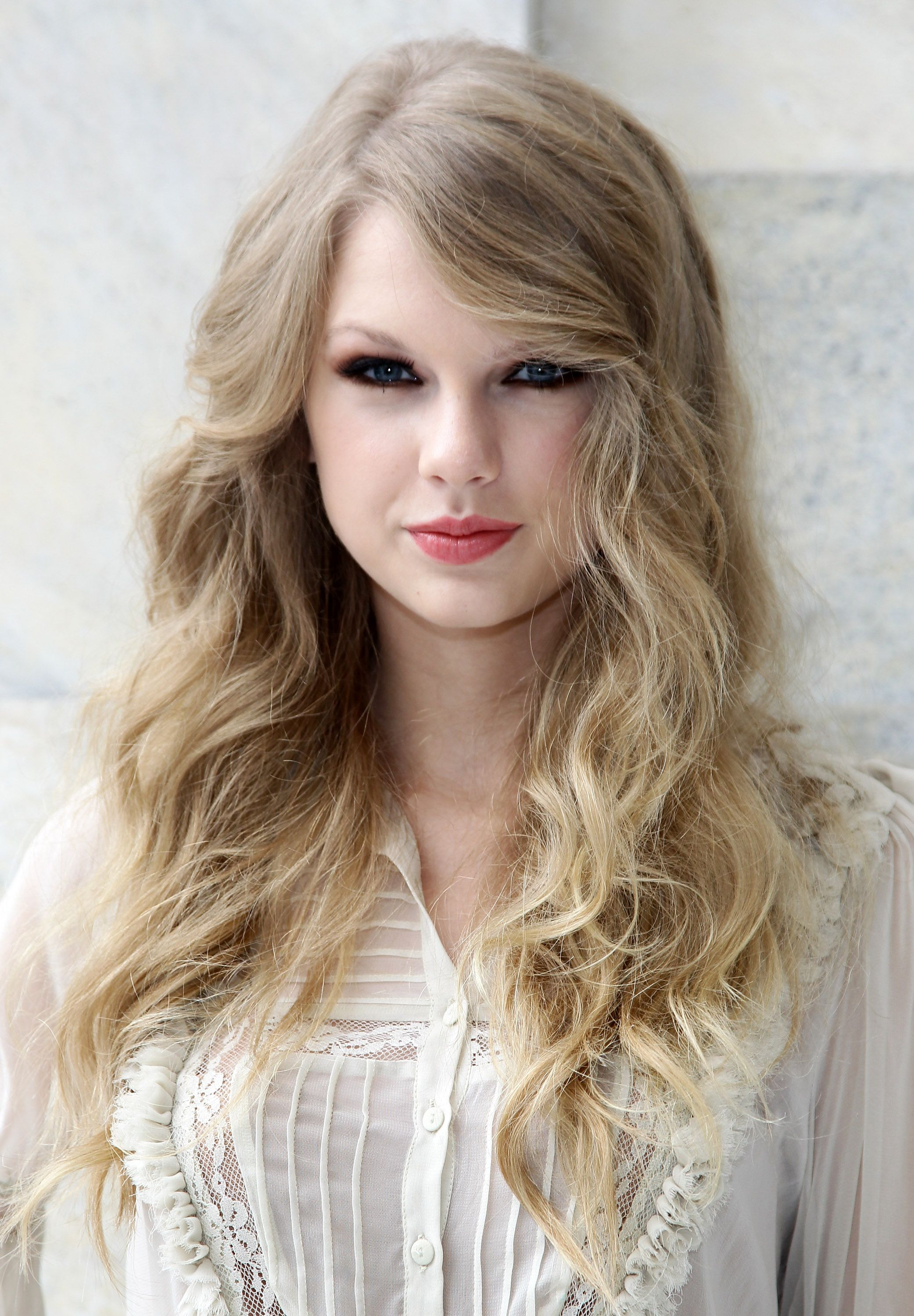 5 Best Taylor Swift Hair Looks Taylor Swift S Signature Hairstyles