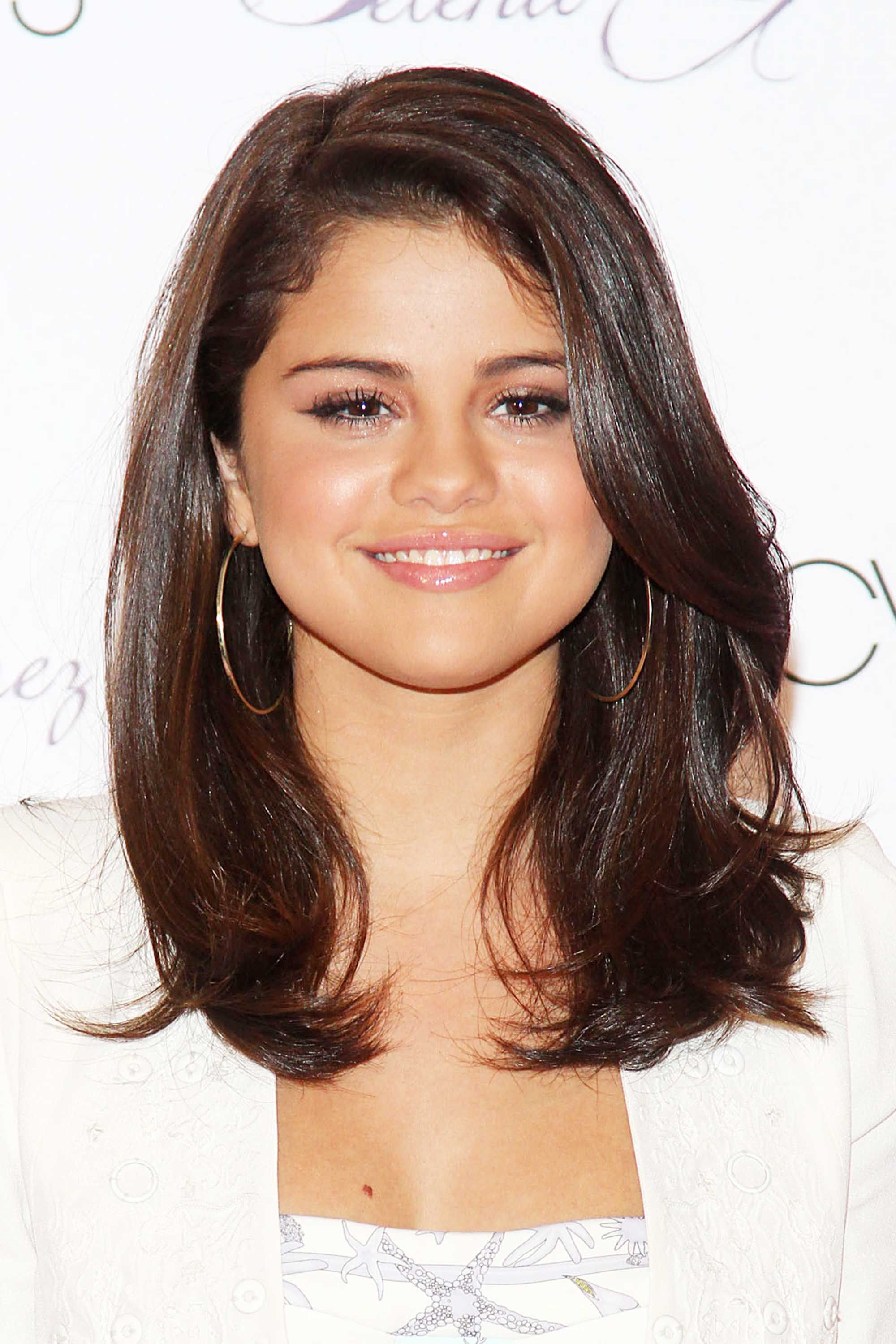 Selena Gomez Hair Style best selena gomez hairstyles 32 hair ideas from selena gomez 3546 by wearticles.com