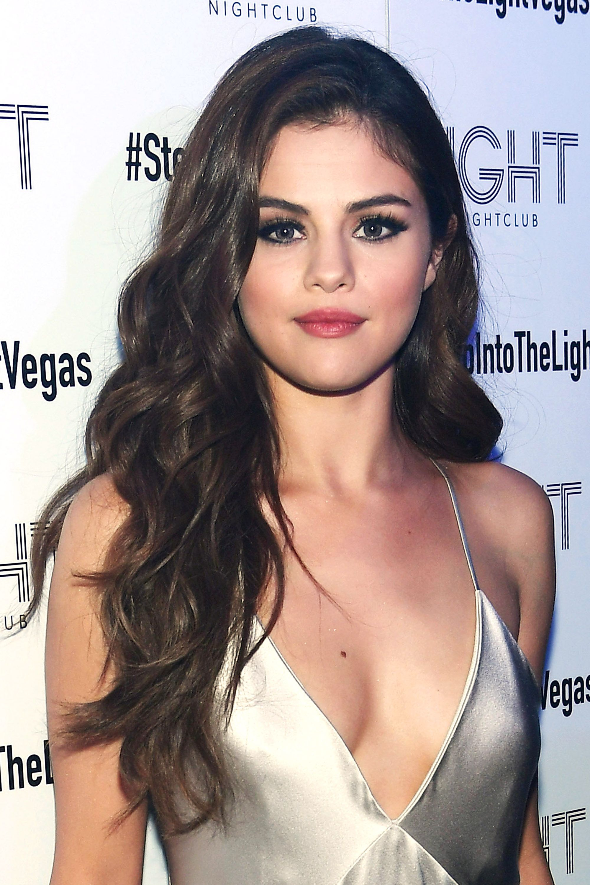 best selena gomez hairstyles - 32 hair ideas from selena gomez
