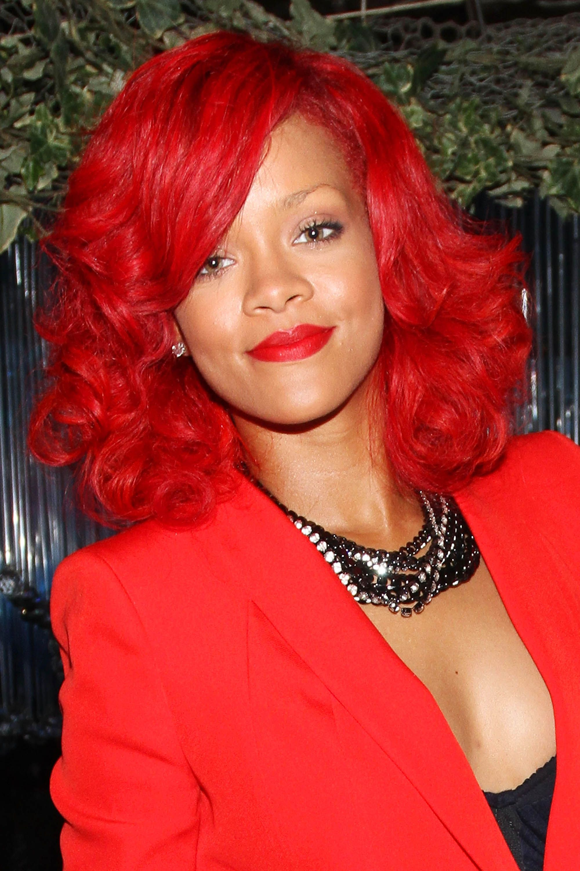 50 best rihanna hairstyles our favorite rihanna hair looks of 50 best rihanna hairstyles our favorite rihanna hair looks of all time pmusecretfo Image collections