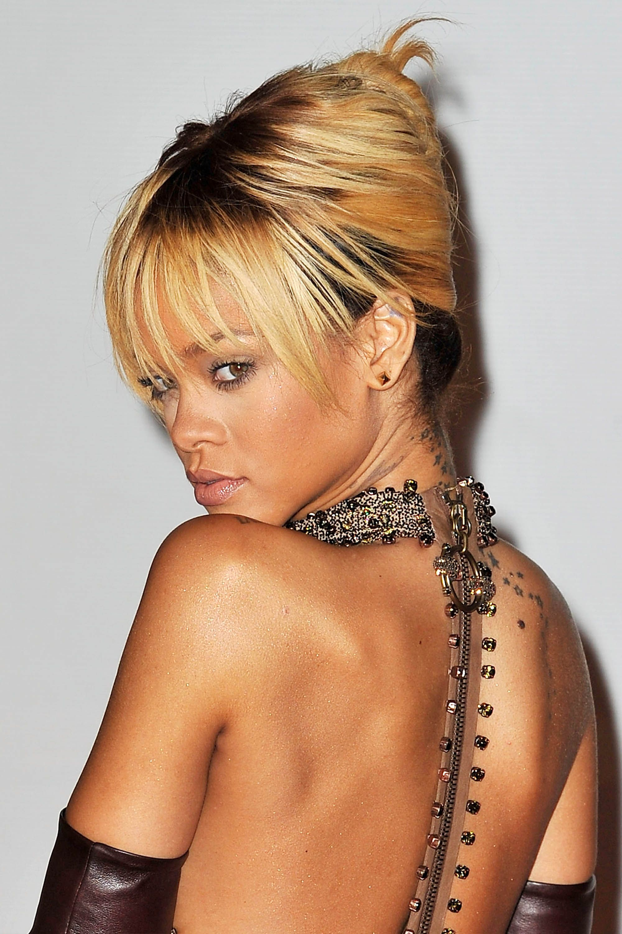 50 Best Rihanna Hairstyles Our Favorite Rihanna Hair Looks Of All Time