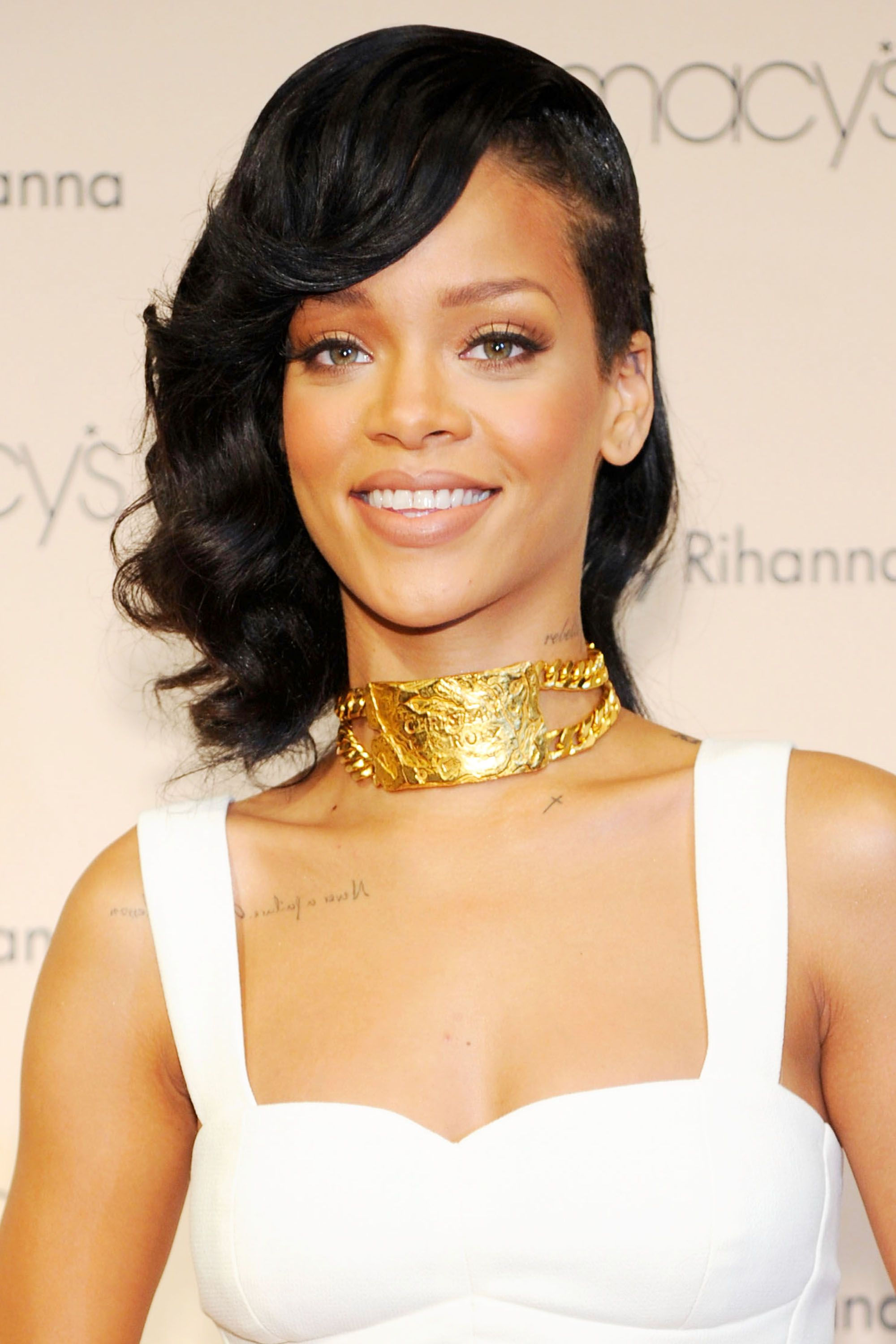 photo 25 Best Rihanna Hairstyles