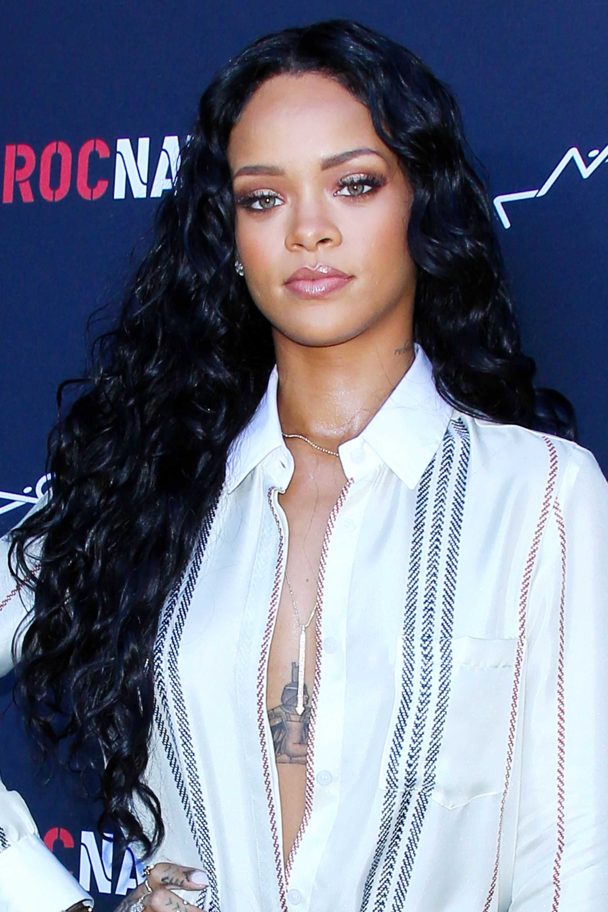 50 best rihanna hairstyles our favorite rihanna hair looks of 50 best rihanna hairstyles our favorite rihanna hair looks of all time urmus Image collections