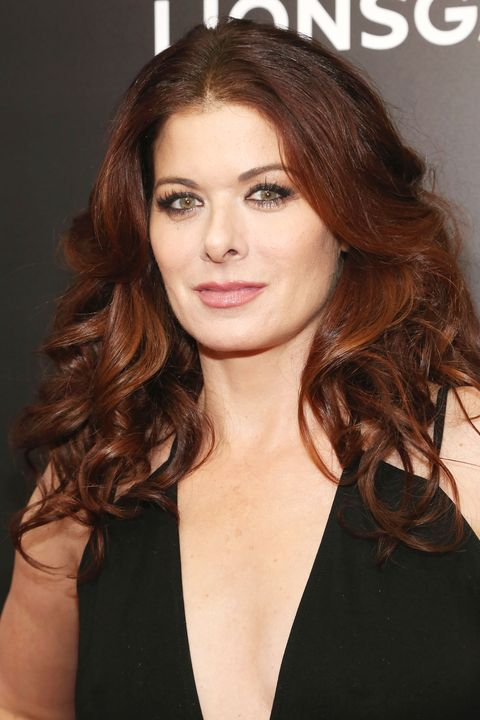 P Debra Messing Went Glam With Her Nbsp Dark Red Hair And Styled