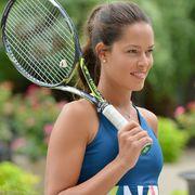 Lip, Daytime, Skin, Sports equipment, Elbow, Playing sports, Strings, Summer, Tennis, Racquet sport,