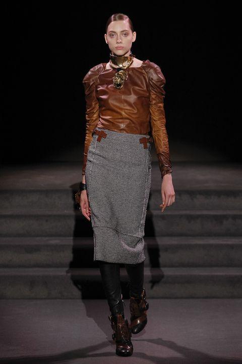 Human, Human body, Joint, Fashion show, Style, Fashion model, Fashion, Runway, Street fashion, Knee,