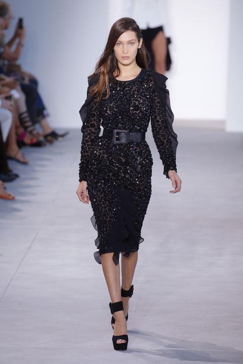 Fashion show, Human body, Shoulder, Joint, Runway, Fashion model, Waist, Style, Dress, Fashion,