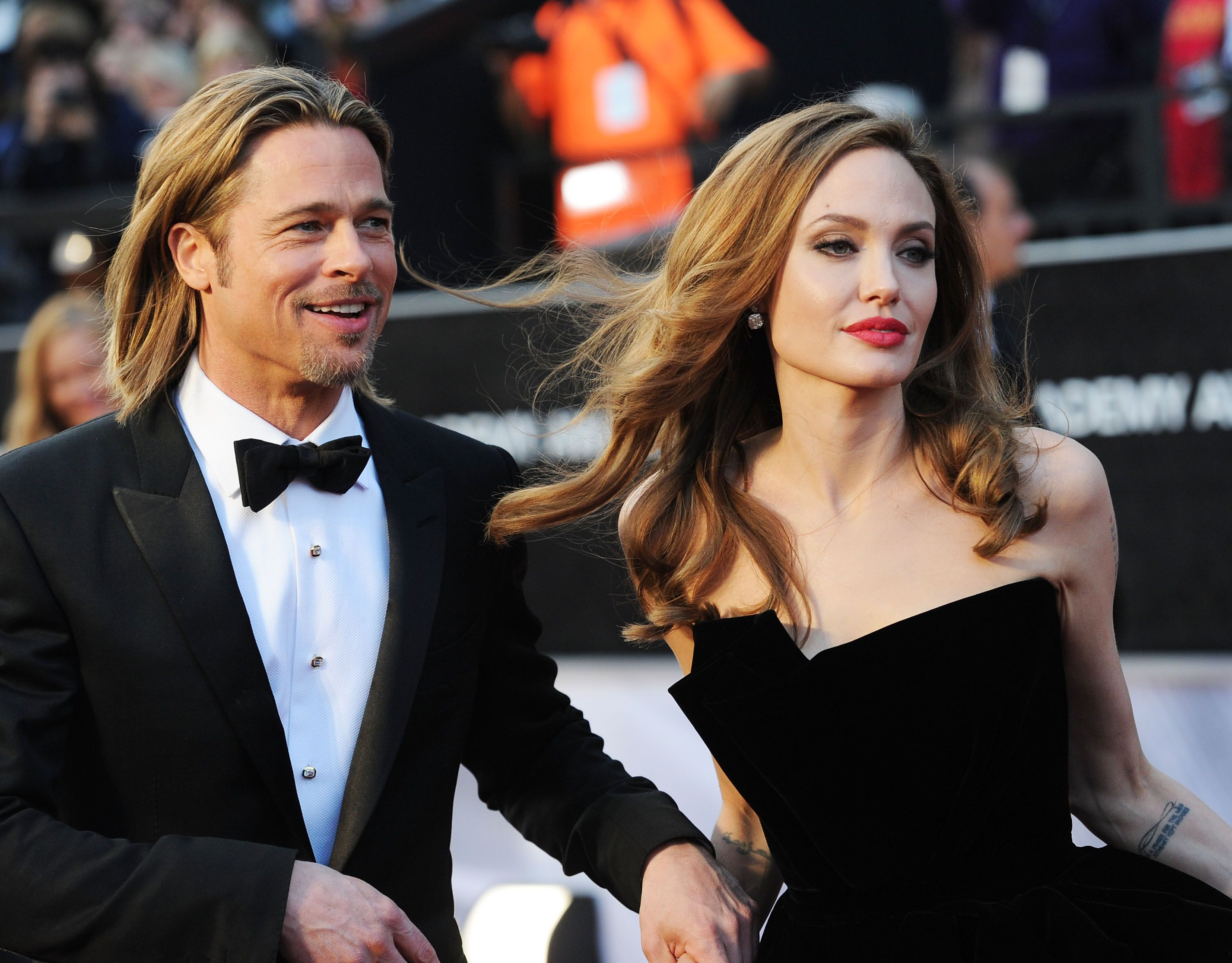 Angelina jolie to drop in africa brad pitt cheesed off at paris new picture