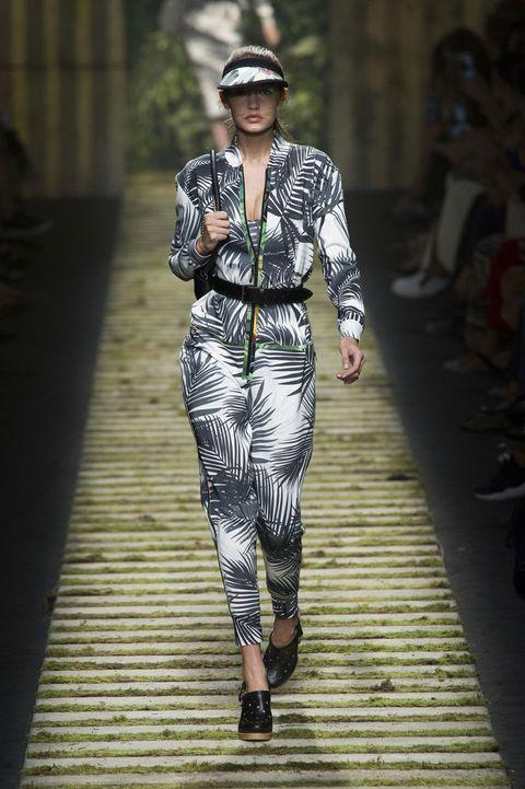 Joint, Style, Runway, Street fashion, Fashion show, Pattern, Fashion, Cap, Fashion model, Waist,