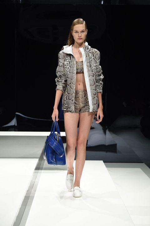 Fashion show, Shoulder, Human leg, Outerwear, Runway, Style, Fashion model, Street fashion, Bag, Waist,