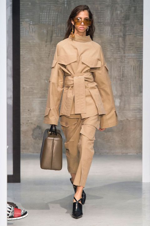 Brown, Sleeve, Shoulder, Textile, Bag, Outerwear, Khaki, Fashion show, Style, Fashion accessory,
