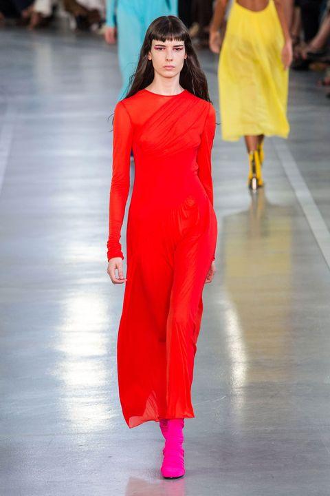 Fashion show, Shoulder, Joint, Runway, Fashion model, Dress, Style, Waist, One-piece garment, Fashion,