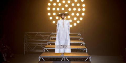 Stage, Drama, heater, Light fixture, Scene, Costume design, Performance art, Acting, Fashion design, Theatrical scenery,
