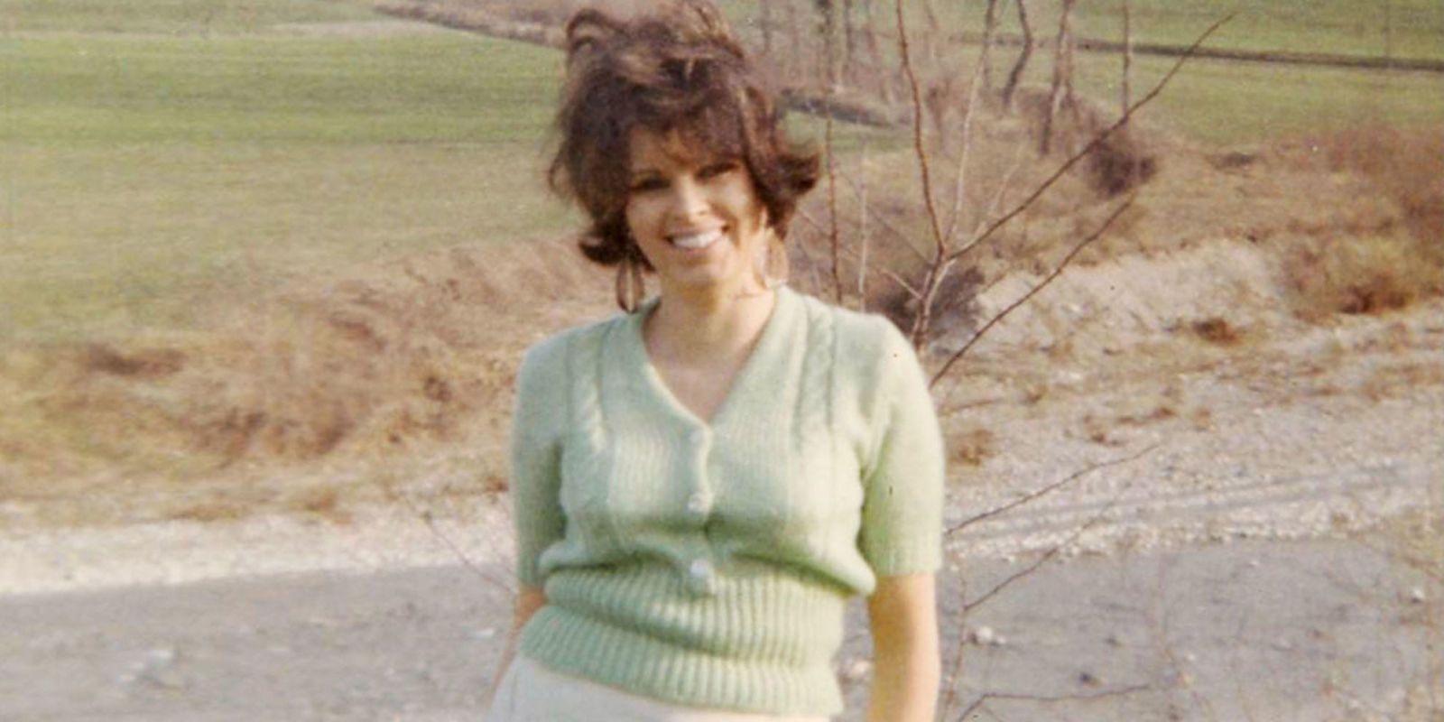 0951203762ec ... wholesale my mother was a bright green suede fendi bag 09d23 e41d9 ...