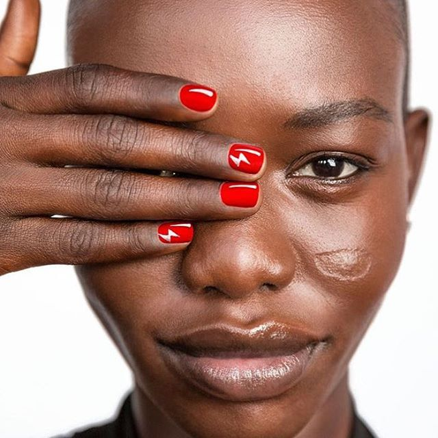 """<p>Use a thin brush to add a fun statement nail or two, seen here in the form of teeny lightning bolts.</p><p><em data-redactor-tag=""""em"""" data-verified=""""redactor"""">Design by<span class=""""redactor-invisible-space"""" data-verified=""""redactor"""" data-redactor-tag=""""span"""" data-redactor-class=""""redactor-invisible-space""""></span><a href=""""https://www.instagram.com/p/_uG-S1PGzc/"""" target=""""_blank"""">@mpnails</a></em><em data-redactor-tag=""""em"""" data-verified=""""redactor""""></em></p>"""