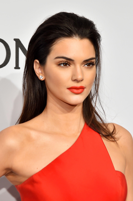 65 Kendall Jenner Hair Looks We Love Kendall Jenner S Hairstyle Evolution
