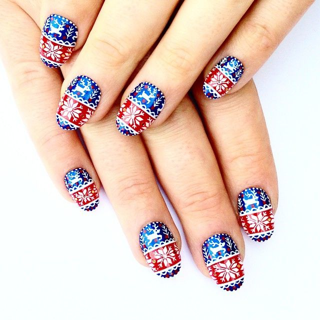https://hips.hearstapps.com/ell.h-cdn.co/assets/16/42/christmas-nail-designs-illustrated.jpg?crop=1xw:1.0xh;center,top&resize=640:*