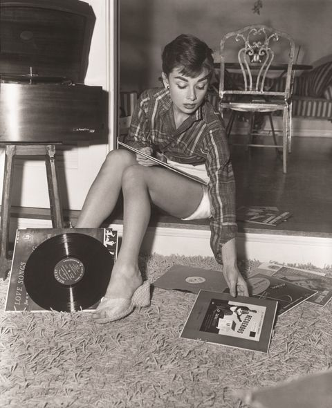 <p>Wedges and little white shorts are proof positive that ladylike Audrey had a flirty side too.</p>