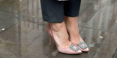 Leg, Human leg, Shoe, Joint, Toe, Teal, Foot, Fashion, Grey, Street fashion,
