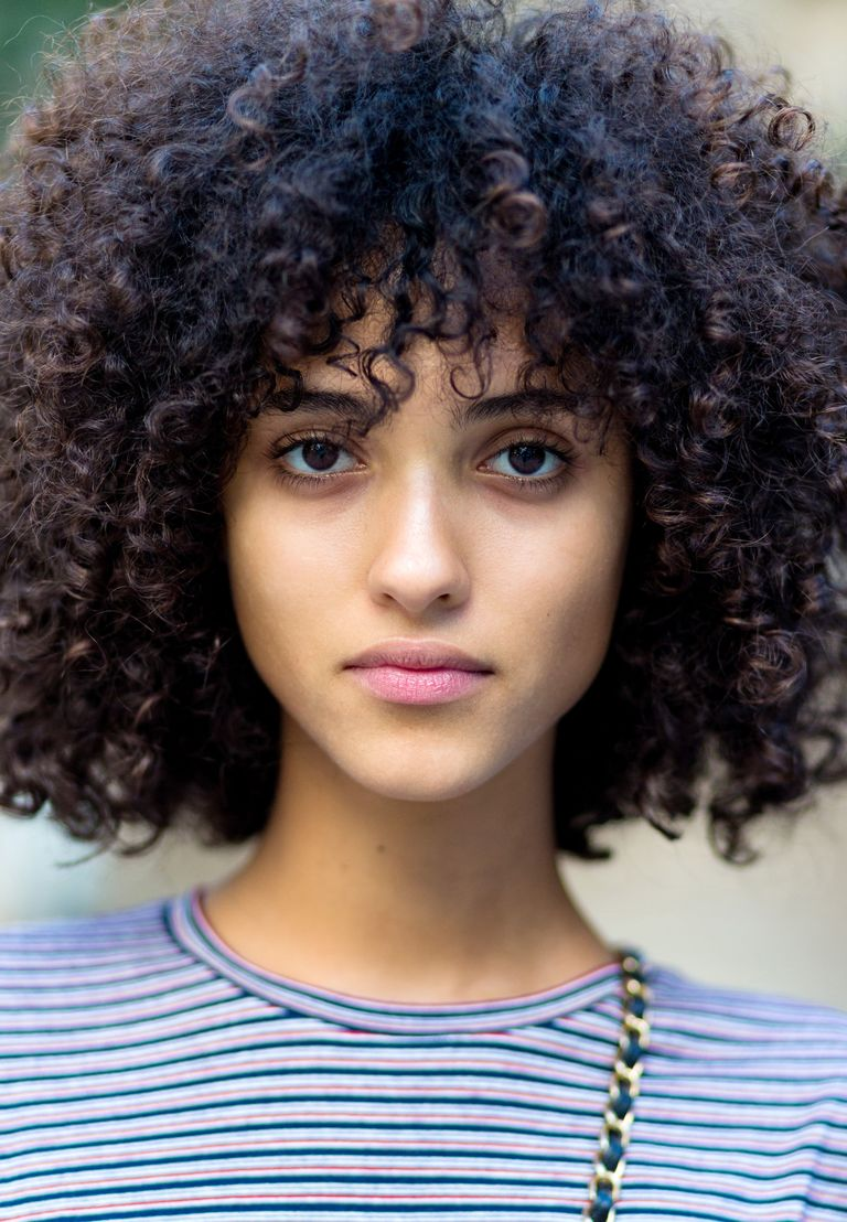 11 Natural Curly Hairstyles - Gorgeous Hair Looks for ...