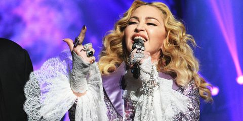 Microphone, Audio equipment, Music, Performing arts, Music artist, Entertainment, Singing, Purple, Pop music, Performance,