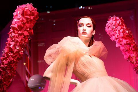 Nose, Lip, Mouth, Pink, Fashion, Lipstick, Model, Peach, Gown, Fashion model,