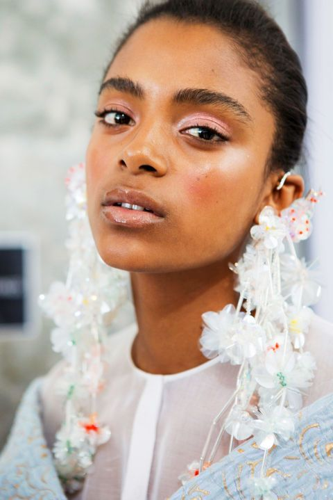 """<p> """"Last year was all about the matte lip, but I want to bring<br> gloss back,"""" says Ta. Park wholeheartedly agrees: """"Liquid matte lips dominated<br> the last few years, but lipgloss is a refreshing change giving dimension,<br> shine, and youth."""" And if Glossier's holiday set, which included a shamelessly<br> shiny gloss, is any sign, they are right on trend.</p><p><span class=""""redactor-invisible-space"""" data-verified=""""redactor"""" data-redactor-tag=""""span"""" data-redactor-class=""""redactor-invisible-space""""></span></p>"""